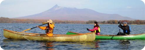 広大な自然公園でカヌー体験